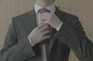 "Vodafone ""How to tie a Tie"""